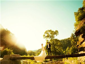 张家川的关山是婚纱外景拍摄天堂,快来欣赏8090婚纱客片儿