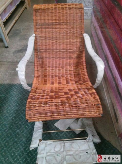 廠家搬家低價出一批搖椅