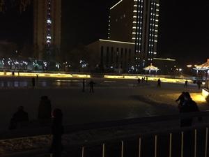 朝阳湖的夜晚