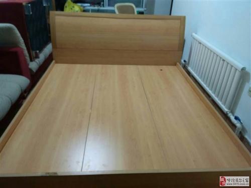 低价出售二手实木双人床,结实耐用,价格面议