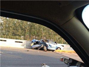 高速公路上的车祸,唤醒多少人?