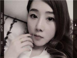 【美女秀�觥�O小娟