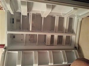 出售九成新LG对开门冰箱