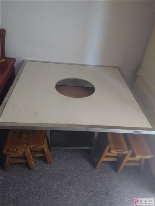 咯摊桌椅6张