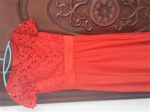 时尚红色小礼服
