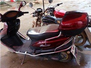 二手電動摩托車850元,車子外觀完整