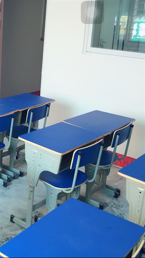 全新学生桌椅幼儿园双层小床出售,价格优惠