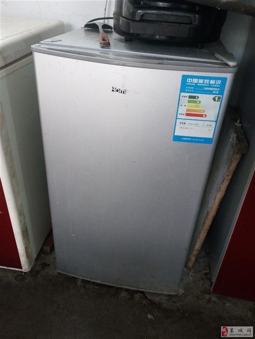 9成新小冰箱出售