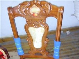全新餐椅低价出售