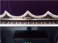 全新钢琴一台出售