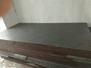 95成新1.5cm木胶板100张低价出售