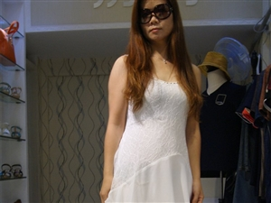 【�]有更低 只有最低】 �n版蕾�z雪���@�B衣裙 只需19.9元