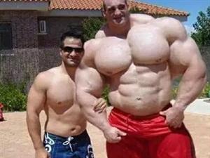拥有全球最壮硕肌肉的英国汉子!!