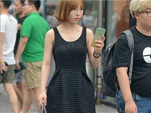 行走在街上的美女