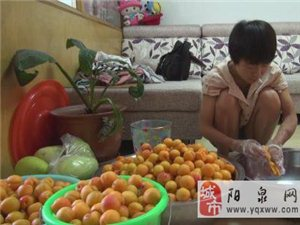 21岁内蒙女孩患肾衰竭  卖果酱自筹药费