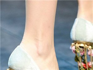 女人的鞋柜里永远少一双鞋――――花样新娘鞋