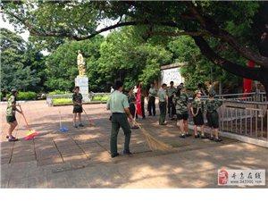 八一建军节:县消防官兵们为烈士陵园敬献花圈