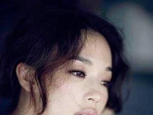 舒淇新写真曝光,妆容清新性感如少女。