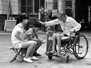 40岁尘肺病父亲生命垂危 盼好心人收养俩孩子