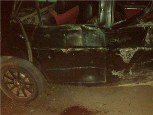 亚博体育福利版下载一伙未成年喝酒后开报废车上路装逼,撞死人后淡定离去