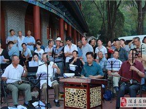 我县举办纪念抗战胜利70周年经典歌曲大合唱展演活动