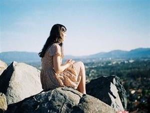 """""""宁可孤单到苟延残喘,也不愿做谁的羁绊。"""""""