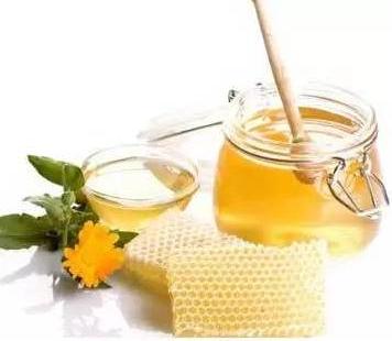 喝蜂蜜最好的�r�g都在�@啦!