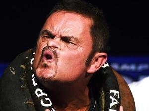 【比丑】世界鬼脸大赛举行 50名参赛者扭曲面孔现场比丑