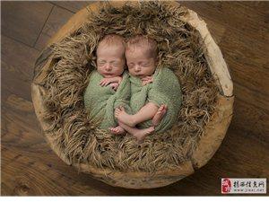 摄影师拍初生双胞胎熟睡照萌翻众人