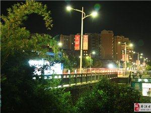 滨江的夜景