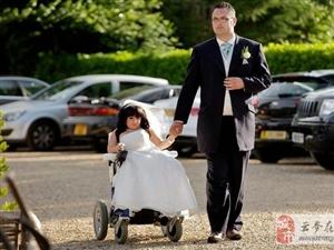 """""""世界最小新娘""""完成梦中婚礼 女儿已6岁"""