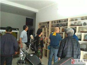 内江市观赏石协会组团来南溪区观赏石研究会会员家看购长江石