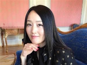 杨钰莹深夜发美图赞自己是美女