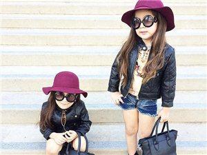 美国4岁双胞胎成时尚界新秀 华丽装扮萌翻网友