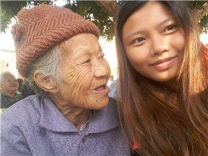 巾帼志愿者开展关爱慰问祈福颐养院老人活动