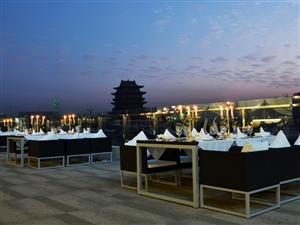 锦粹花园新概念餐厅专线:0795-3638888/3187777