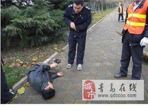 中年男子男子路边晕厥冻了一夜环卫工守护打120求助
