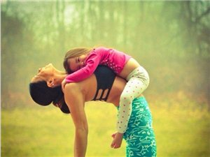 小姑娘4岁,妈妈36岁,简直美哭了!