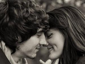 """当爱情变成将就 你愿意""""凑合过""""吗?"""