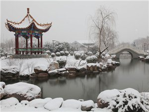 雪落荥阳别样美
