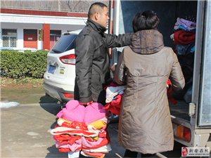 爱心志愿者到曹村、石井送温暖