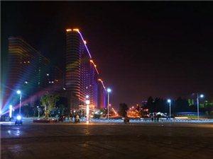 东方高铁站夜景