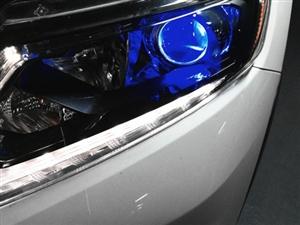 新奇骏在綦江汽车灯光改装Q5透镜,蓝色恶魔眼,亮亮亮亮