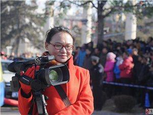 2016秧歌汇演中的摄影师