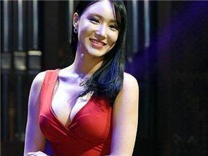 2016韩国赛车女郎选拔大赛车模性感亮相 穿低胸装秀前凸后翘好身材