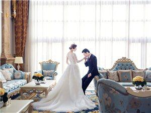 纯净的白纱,性感迷人的蕾丝,将唯美和浪漫的新娘做到了极致