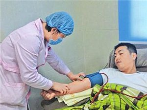 为救白血病人内江协警捐血小板(图)