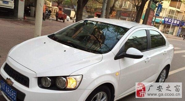 雪佛兰爱唯欧三厢 2011款 1.4 自动 SE 白色