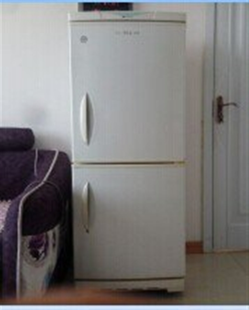 电冰箱一台