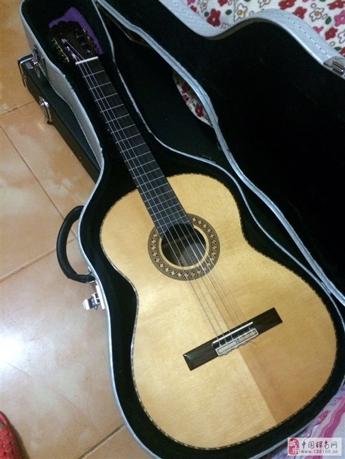 39寸古典吉他
